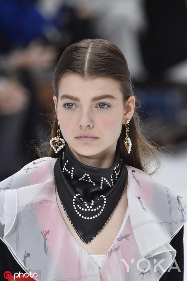 2019 Fall/Winter Paris Fashion Week Details Chanel 113 图源:东方IC