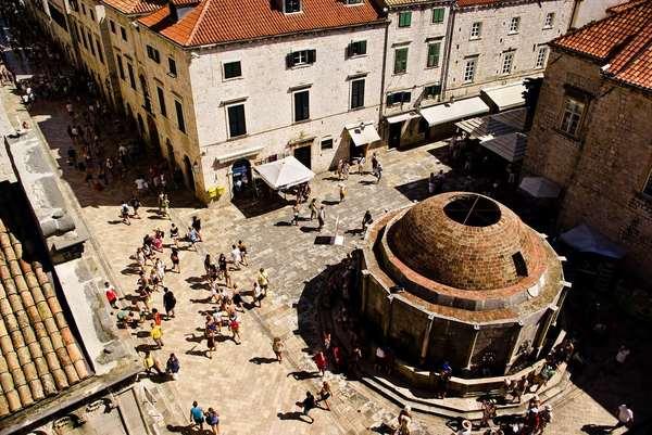《权力的游戏》君临城拍摄地Dubrovnik  图片来welcomepickups.com