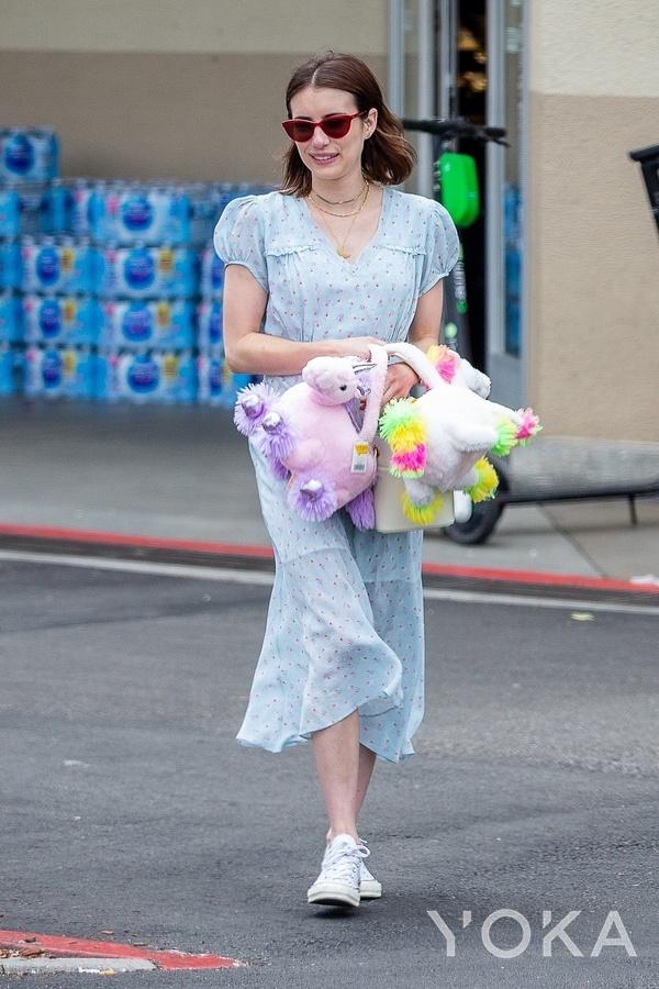 艾瑪·羅伯茨(Emma Roberts)時尚街拍