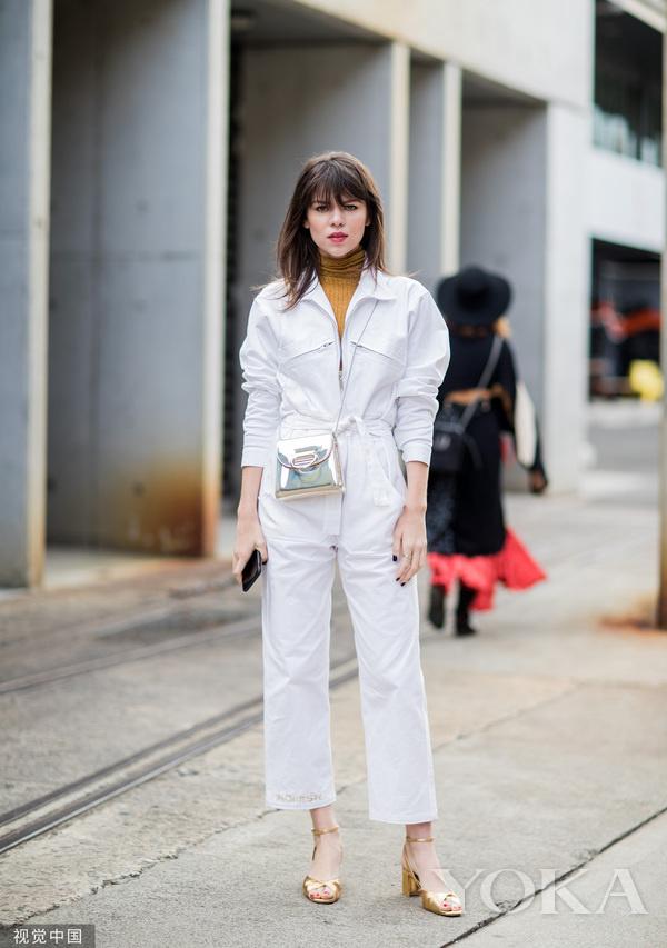 连体裤搭配打底衫时髦度可不止翻倍