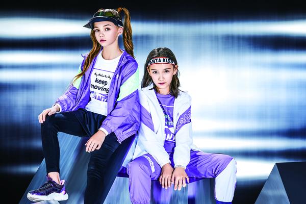 安踏儿童天猫官方旗舰店ELLA同系列SPORTS GIRL热卖中;图片来源:品牌提供