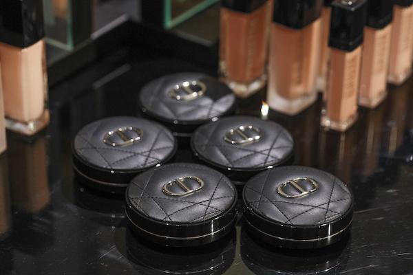 DIOR迪奥锁妆系列区域产品陈列