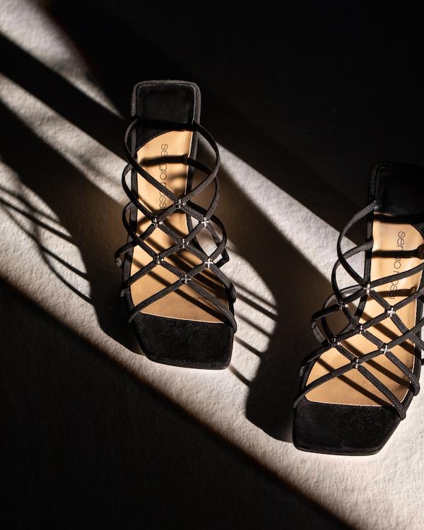 Sergio Rossi发布全新GRAZIE Sergio系列致敬缅怀品牌传奇创始人