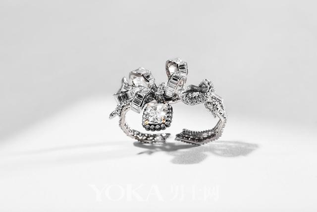 在这些珠宝上 你能看到凡尔赛宫的影子
